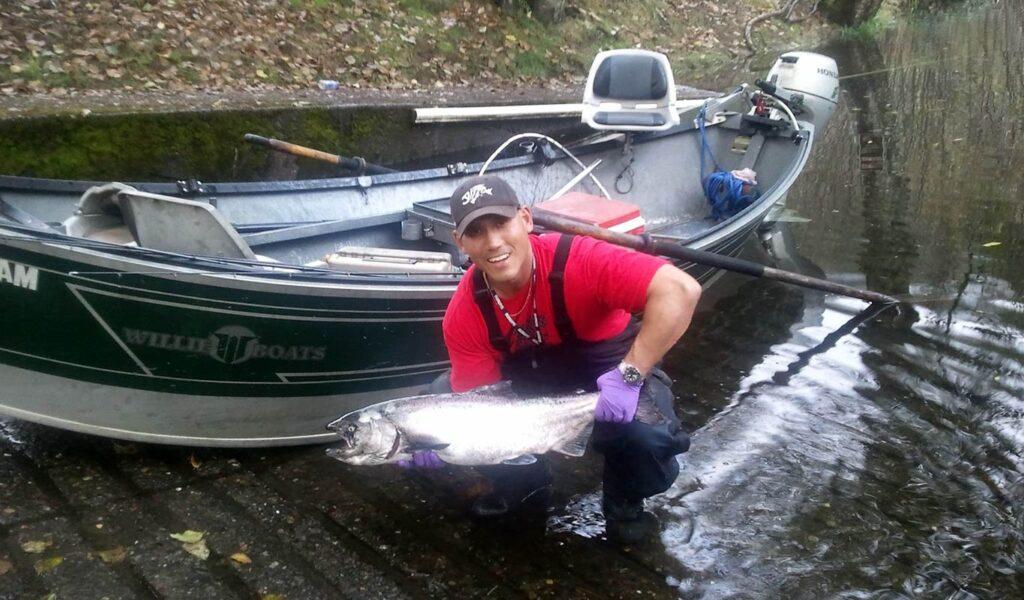 John Elder Fishing Guide Service is a fishing guide service targeting Salmon, Steelhead, Sturgeon, Kokanee, Ocean Rock Bottom Fish, and Lake Trout in rivers and lakes of Oregon